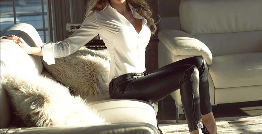 escort in Tel Aviv with leather pants